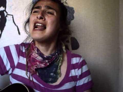 Camila Riquelme - Y Voy