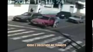 Idoso � executado no meio da rua e c�mera registra