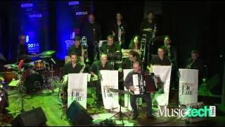 Vincenzo De Ritis suona la fisarmonica Digital Box con l' Abruzzo Big Band e Special guest Gabriel Oscar Rosati Latin Night