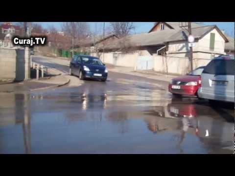 De două zile curge apa continuu la Durlești