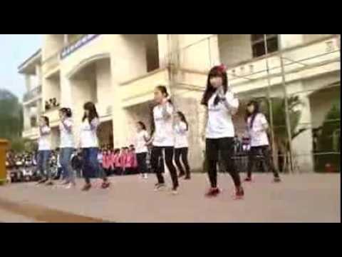 Nhảy dân vũ - Chi đoàn 11A2 - THPT Minh Khai 2014