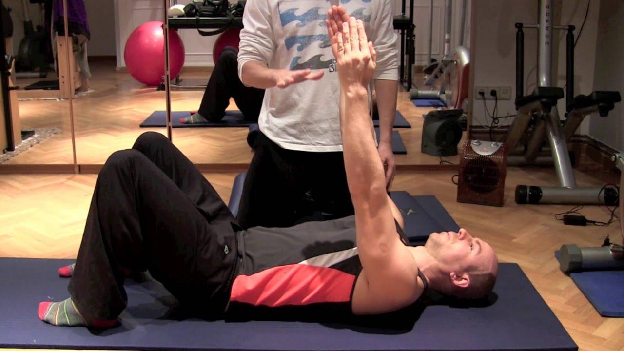 Fortalecer espalda romboides ejercicios de pilates en casa youtube - Como hacer pilates en casa ...