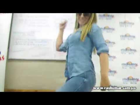 ¡Cindy Marino también sabe mover el Totó!