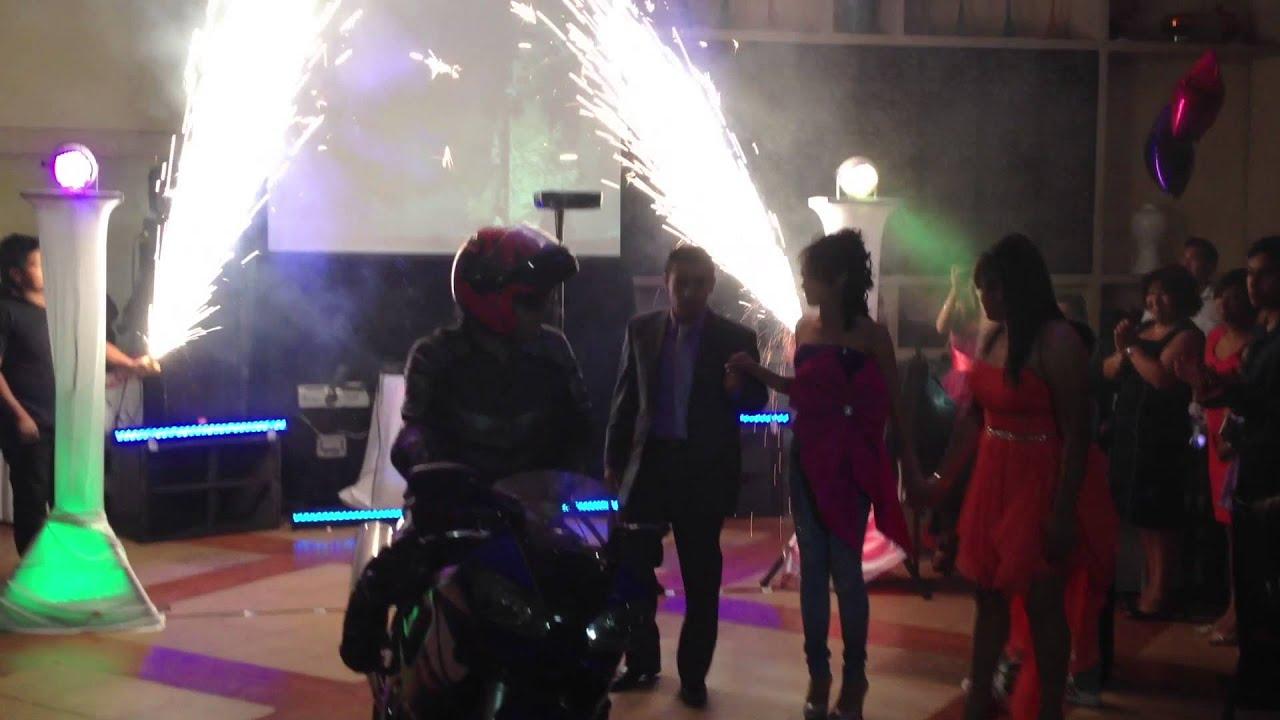Fiesta tematica vianey 3msc salon bailes para xv a os y for Salon vianey