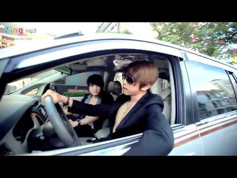 Hình ảnh trong video Ngã Tư Đường - Hồ Quang Hiếu .mp4