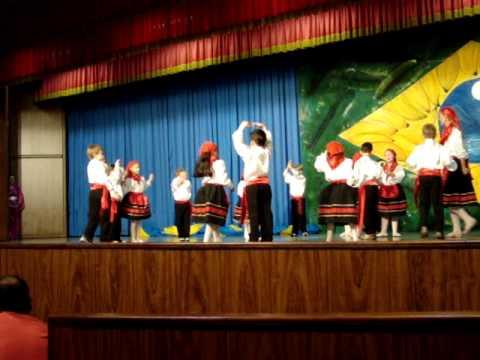 Apresentação de Dança Típica Portuguesa