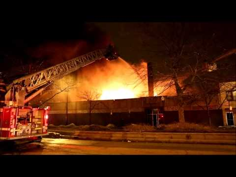 Video: Flames tear through Chicago auto repair shop