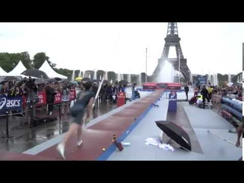 PARIS PERCHE : L'exhibition de Renaud Lavillenie