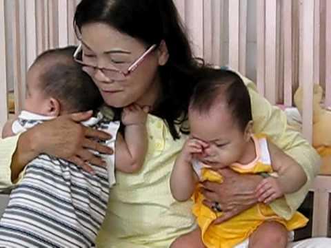 Huỳnh Tiểu Hương - Buổi sáng ở phòng sơ sinh