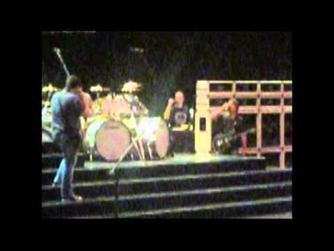 Van Halen - 2012-04-21 - Greensboro, NC soundcheck Part 1 GREAT Audio [VHFrance Videos]