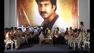 Gopichand--amp--Taapsee-at-Sahasam-movie-special-screening-to-school-students-part2