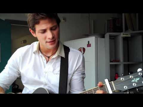 Gabriel Coronel nos canta un fragmento de Una Vez Mas