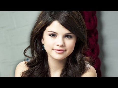 Selena Gomez Enters Rehab