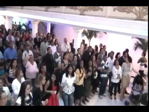 APRESENTA ANDRE DA CARRUAGEM NA VIRGÍLIA DO MINISTÉRIO ARDENDO EM FOGO 2012