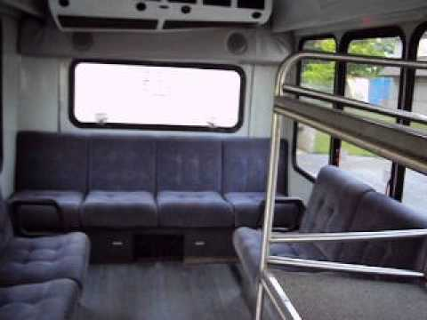 Ford 2005 E450 Shuttle Bus Runs Looks Good 6.8 litre Low Reserve 6-18-13