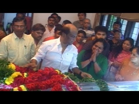 Rajnikanth PAYS HOMAGE TO DANCE MASTER RAGHURAM