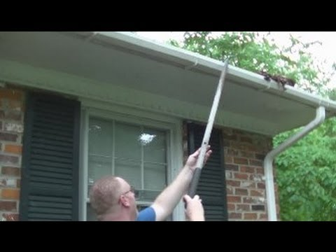 Super Easy Rain Gutter Clean Out! Rick