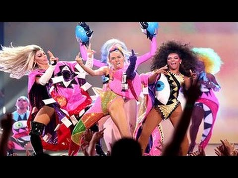 Mtv Vmas 2015 Miley Cyrus Performance at MTV VMAs 2015 was Insane