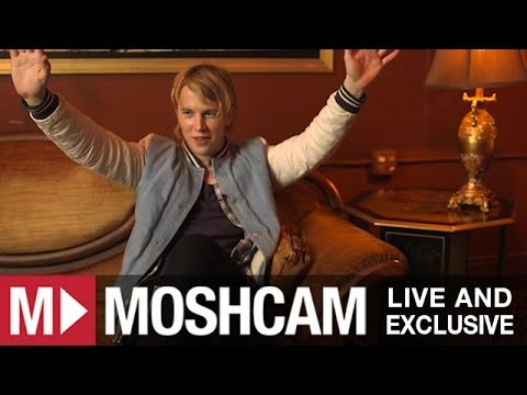 Tom Odell talks Elton John, crazy fans and well aged bananas
