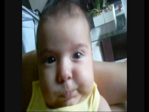 Isabelly Rocha Machado - 3 meses- assistindo vídeos infantis do youtube .-_0001.wmv