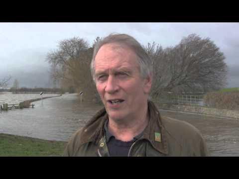 Farmers battle floods on Somerset Levels