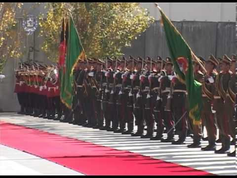 President Karzai & Pakistan's PM Nawaz Sharif Inspecting Guard of Honor -- Nov 30, 2013