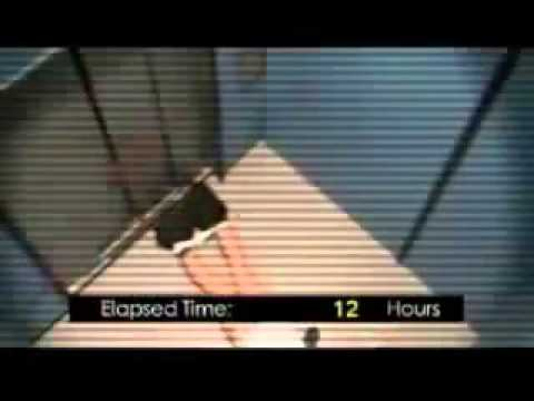Người đàn ông hoảng loạn và đói khát khi bị mắc kẹt trong thang máy