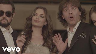Aleks Syntek – Tan Cerquita ft. Cristian Castro – Video Oficial