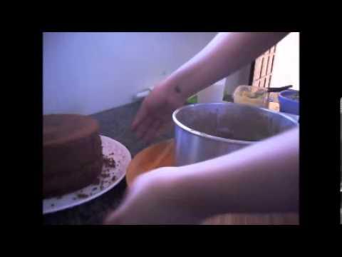 Como cobrir bolo com pasta americana  #parte 1