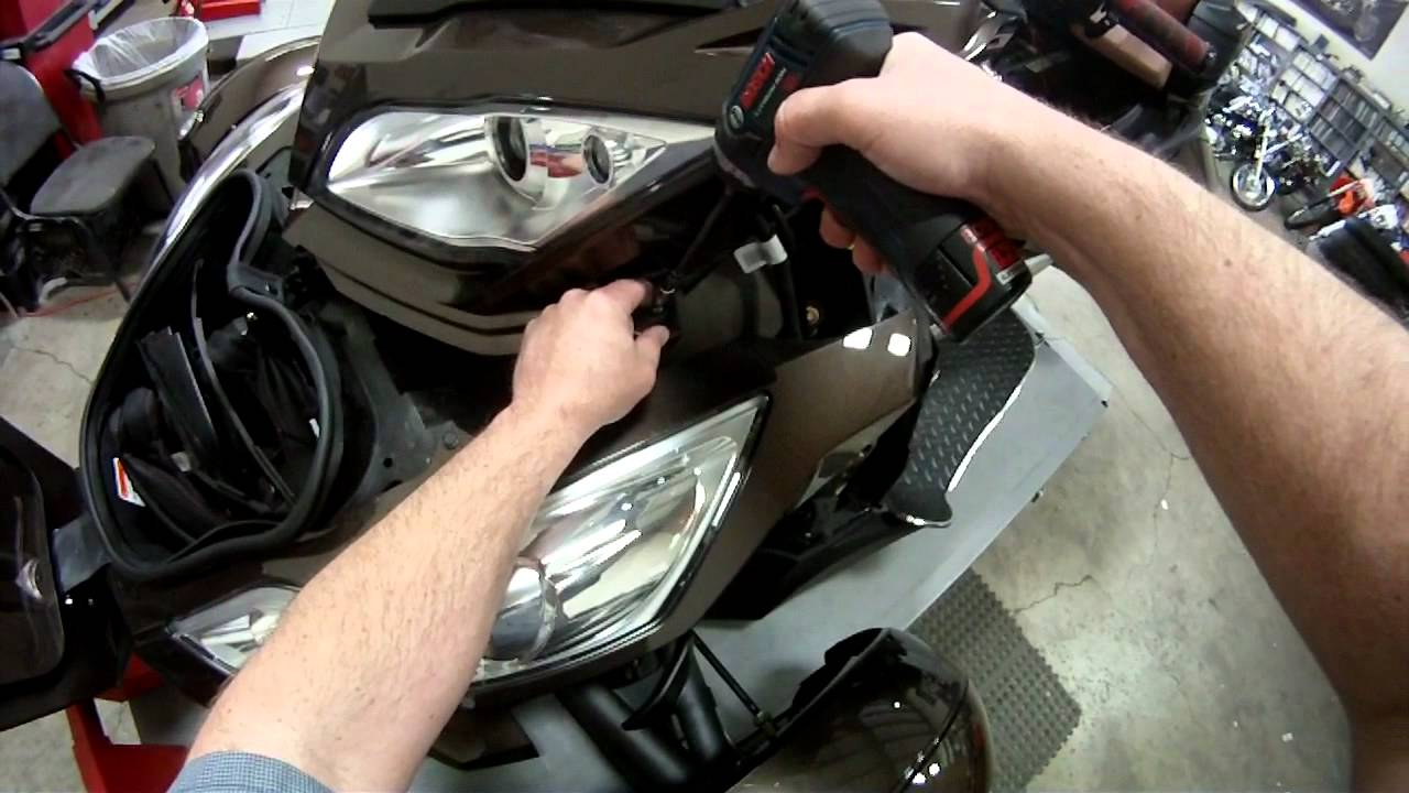 Beautiful Can Am Spyder Rt Body Removal Youtube