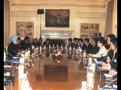 PM Manmohan Singh meets S Korea President  Park Geun Hye