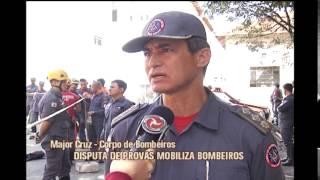 Militares do Corpo de Bombeiros simulam salvamento na capital