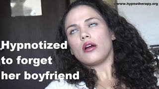 Hypnotized Girl Forgets Her Boyfriend. Deep Hypnosis