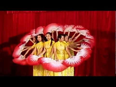 Múa Viet Nam Gam Hoa -- 12a8 Dinh Tien Hoang