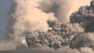 Eruption at Kirishima Volcano's Shinmoedake Crater / 霧島山新燃岳 29th Jan 10 - Raw footage