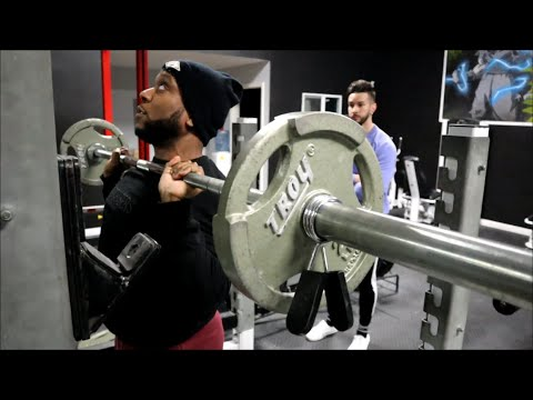 Don't Do This On The SMITH MACHINE Shoulder Press | Shoulder Press Tips (Barbell Vs Smith Machine)