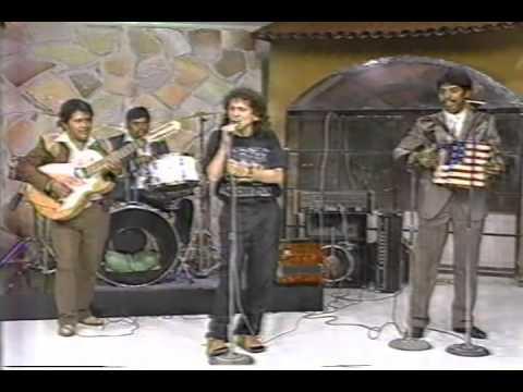 alex lora canta con grupo norteo en mira que bonito