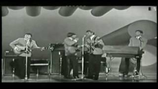 Here It Comes Again THE FORTUNES 1965 ♫ London Palladium TV show view on youtube.com tube online.