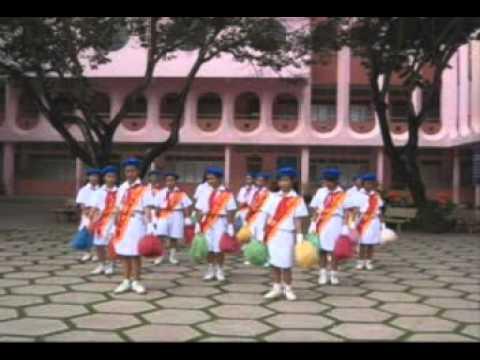 Múa hát sân trường - Em bay trong dem phao hoa