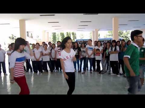 Hotgirl lớp 8 cùng FMDP ngẫu hứng nhảy Gangnam Style quá đỉnh !!!