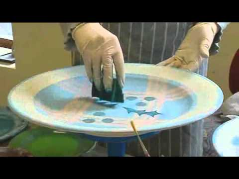 Tain pottery decorating the pottery hand painting a for How to decorate a ceramic plate