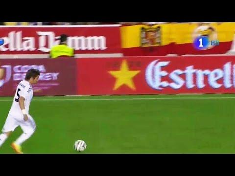 Bandera franquista en Mestalla - Final FC Barcelona - Real Madrid (16-4-2014)