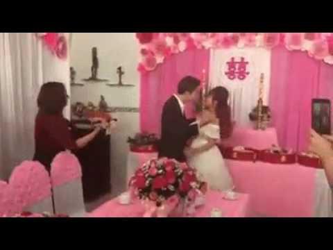 Khởi My và Kelvin Khánh hôn nhau