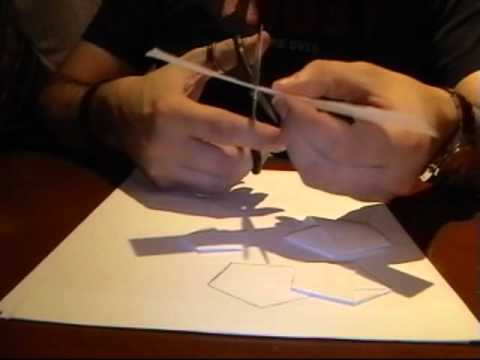 Cómo construir un pentágono regular doblando papel