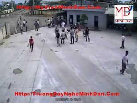 Cận cảnh vụ chém nhau tại cây xăng ở Nghệ An