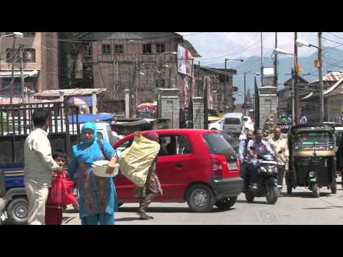 Indian-Kashmir Tourism Ebbs and Flows With Waves of Violence