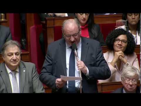 M. Bernard Perrut - Egalité des chances pour les personnes handicapées