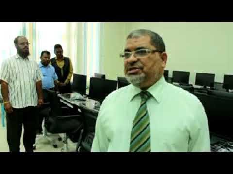 فيديو: كلمة رئيس جامعة حضرموت أثناء زيارة برنامج تأهيل البيئة التعليمية لقسم الهندسة المعمارية لكلية الهندسة