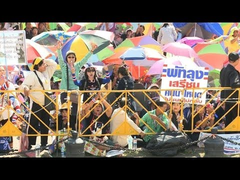 Protesters gather ahead of Bangkok 'shutdown'