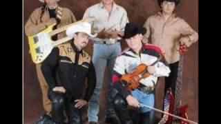 Eres una tonta (Audio) Caballo Dorado